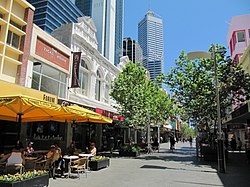 Rue piétonne centre de Perth.JPG
