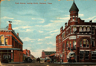 Denison, Texas - Rusk Avenue looking north (postcard, circa 1911)