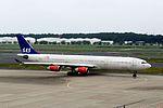 SAS Scandinavian Airlines Airbus A340-313 (OY-KBA-435) (19964811663).jpg