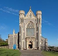 Sacred Heart RC Church, Wimbledon, London, UK - Diliff.jpg