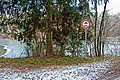 Schild-Bürgerstreich - Zeichen 252 - Verbot für Krafträder, auch mit Beiwagen, Kleinkrafträder, Fahrräder mit Hilfsmotor und Kraftwagen.jpg