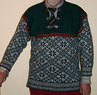 Sweater knitted garment from the upper body