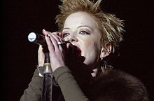 Shirley Manson close up.jpg