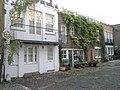 Small dwellings in Morton Terrace Mews South - geograph.org.uk - 1558321.jpg