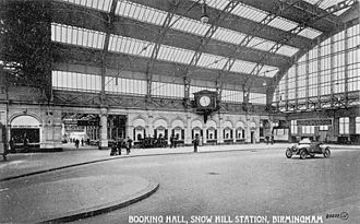 Birmingham Snow Hill railway station - The old station's arched glass booking hall in 1914.
