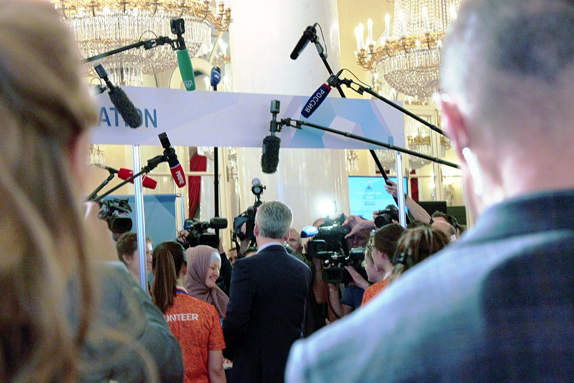 Sobyanin in the Moscow press-center (2018-06-05) 02.jpg
