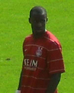 Sone Aluko - Aluko playing for Aberdeen in 2009