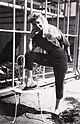 SonjaDeLennart 1949 Mady Rahl modelt Sommermodell der Caprihose.jpg