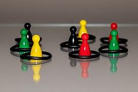 """Spielfiguren, Titel """"Social Distancing"""" -- 2020 -- 3872.jpg"""
