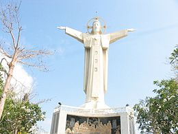 Statue of Jesus in Vung Tau.jpg