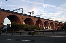 Stockport Viaduct in 2012.jpg