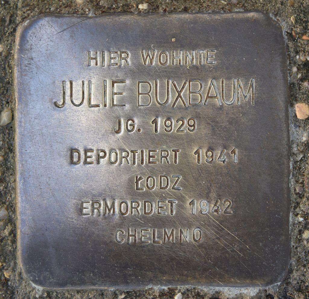 Stolperstein für Julie Buxbaum.JPG
