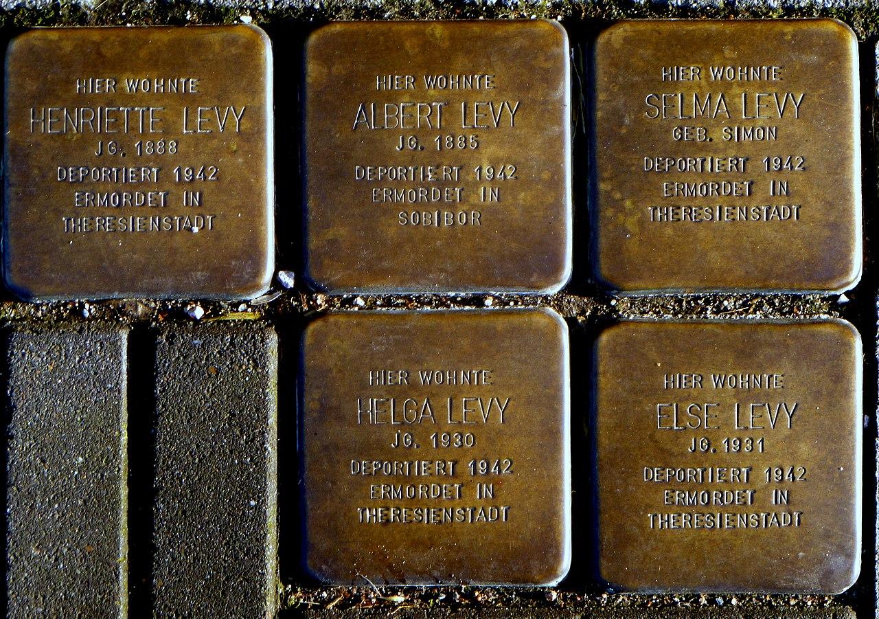 Stolpersteine Fam. Albert Levy - Aachen-Haaren.JPG
