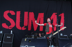"13 Voices - Sum 41 on tour ""10th Anniversary of Does This Look Infected?"""