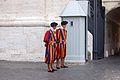 Swiss guard of Pope - panoramio.jpg