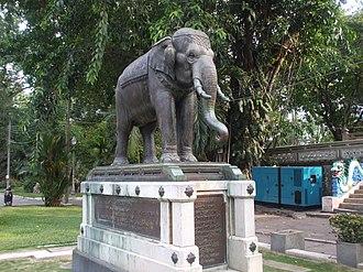 Thái Nguyên Province - Image: Tượng voi đồng