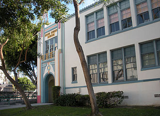 Olympic Boulevard (Los Angeles) - Tenth Street School is located on Olympic Boulevard