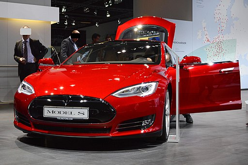 Tesla S P90D at IAA 2015. Spielvogel6