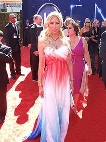 Tess Broussard - Wikipedia