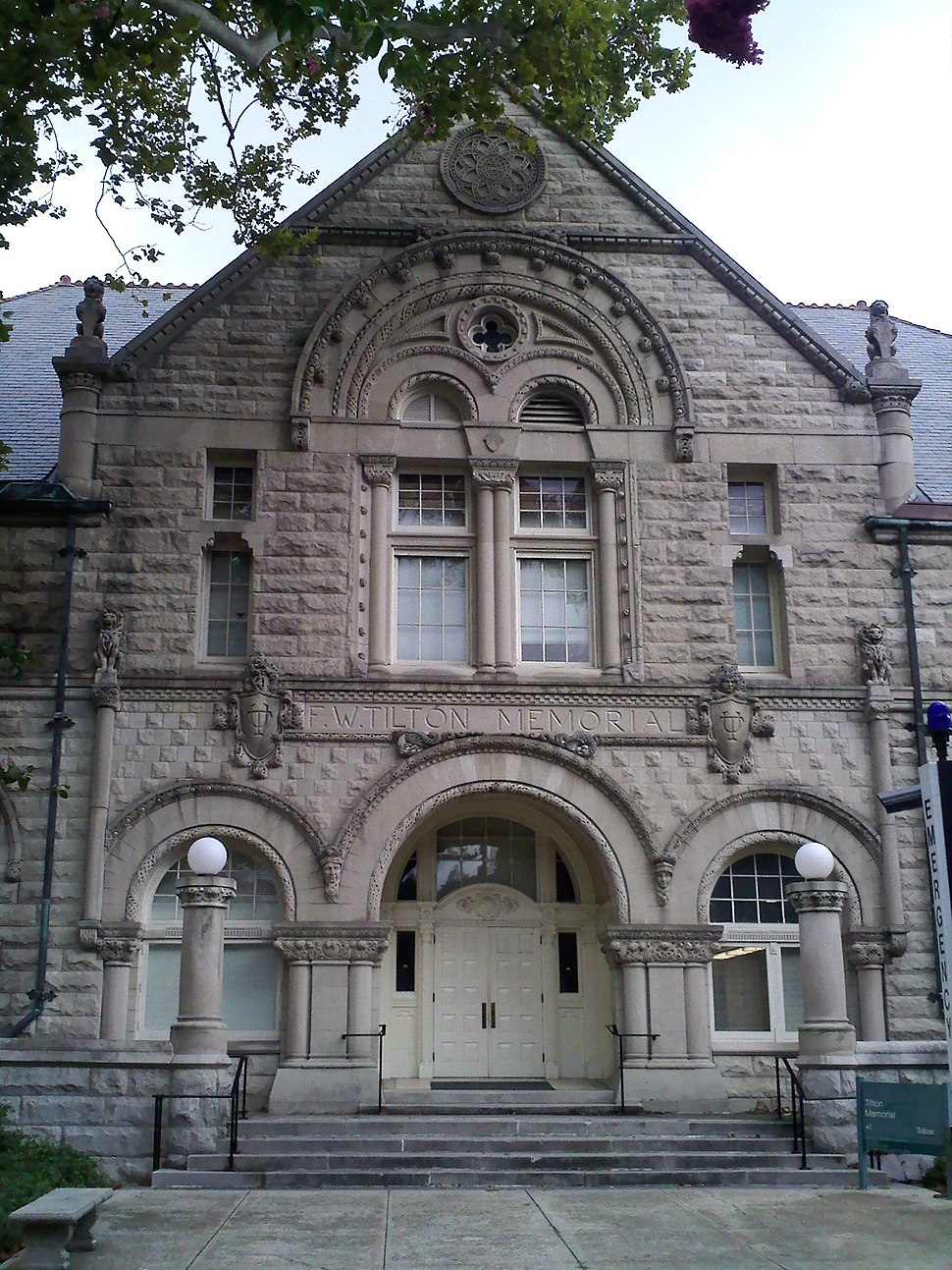 Tilton Memorial Hall
