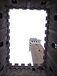 Torre del Mangia from Cortile del Podestà.jpg