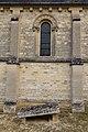 Troisième travée du mur sud de l'église Saint-Pierre (Vaux-sur-Seulles, Calvados, France).jpg