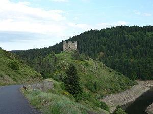Château d'Alleuze - Image: Truyère Château d'Alleuze