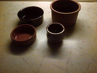 Güveç - Güveç and other earthenware pots