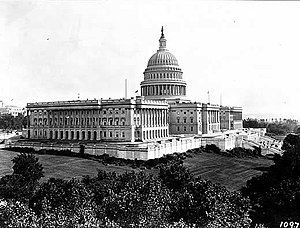 70th United States Congress - Image: US Capitol 1906