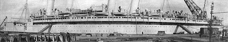 File:USS Agamemnon ID-3004 H98558.jpg