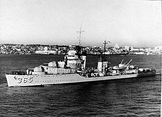USS Cummings (DD-365) underway in San Diego harbor, circa 1938 (NH 61868)