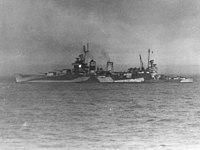 USS Tuscaloosa (CA-37) off Iwo Jima, 16 February 1945.jpg