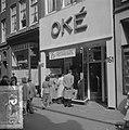 Uitverkoop in de textiel te Amsterdam, Bestanddeelnr 904-6128.jpg