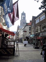Utrecht-Street and Dom Tower 2004-09 01.jpg