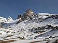 Valle de Aisa, en primer término mallo de Rigüelo, detrás los Lecherines y pico de la garganta de Borau.jpg