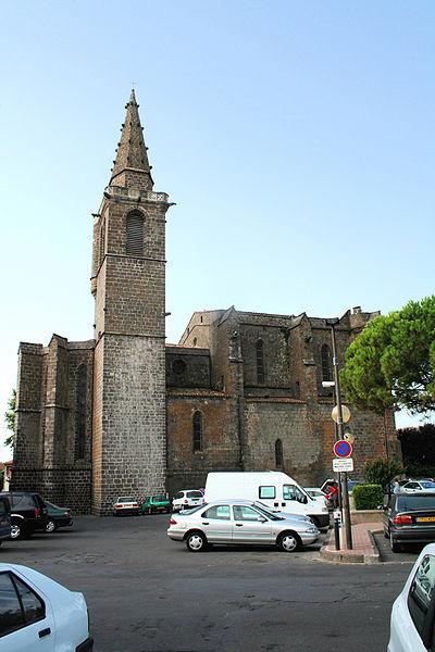 Vias (Hérault, Languedoc-Roussillon, France) - Façade nord de l'église Saint-Jean-Baptiste (XIVe - XVe siècles).