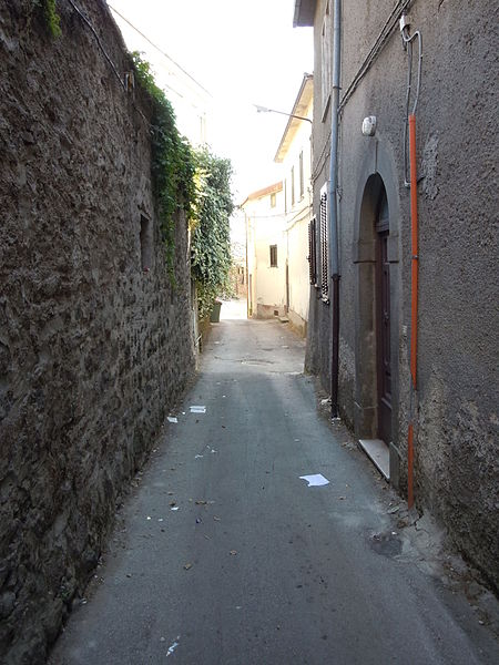 File:Vicolo di Roccamonfina2.JPG