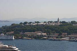View of Topkapı Palace from the Galata Tower (2).jpg
