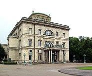 Villa Hügel Front