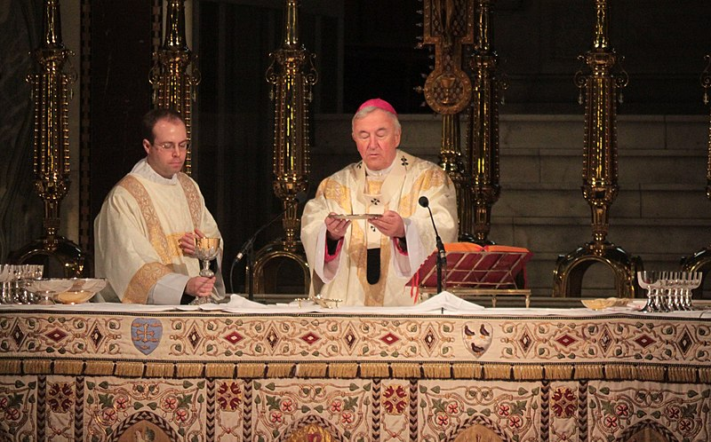 File:Vincent Nichols Liturgy of the Eucharist 2011-01-15.jpg
