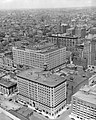 Vue aérienne de la ville de Montréal 1943.jpg