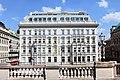 Wiedeń. Widok z tarasu Albertiny na Hotel Sacher. - panoramio.jpg