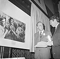 World Press Photo 1964 , de Engelsman Donald McCullin en links Prins Bernhard bi, Bestanddeelnr 917-2522.jpg