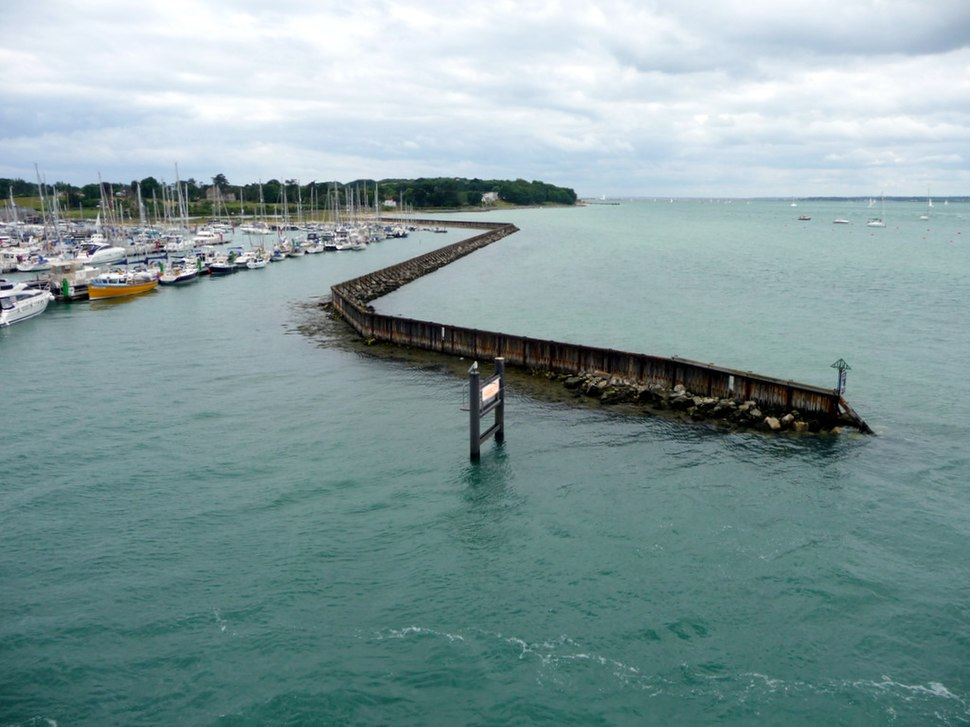 Yarmouth Harbour, Isle of Wight - geograph.org.uk - 1720429