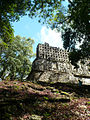 Yaxchilán vista trasera del templo principal.jpg