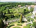 Zámecké zahrady z věže - panoramio.jpg
