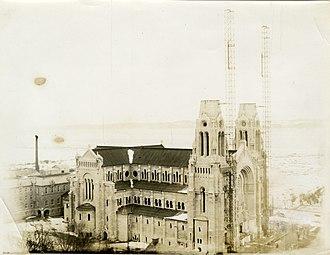 Basilica of Sainte-Anne-de-Beaupré - Construction of the new basilica, fall 1931