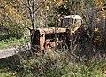 Žďárec - jižní část obce, traktor DT-75M.jpg