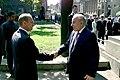 Встреча с Президентом Азербайджана Гейдаром Алиевым перед началом церемонии открытия памятника поэту Низами Гянджеви.jpeg