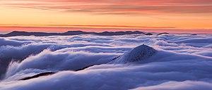 Гора Хом'як у тумані.jpg